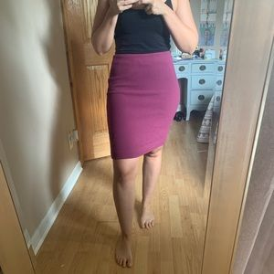 ANN TAYLOR Berry Crepe Solid Pencil Skirt